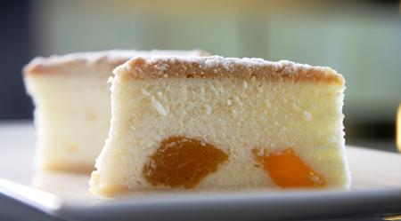 Cheese Cake with Peaches, Photo: Dan Perez